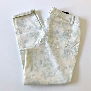 Artisan NY Cropped Floral Pants White 10